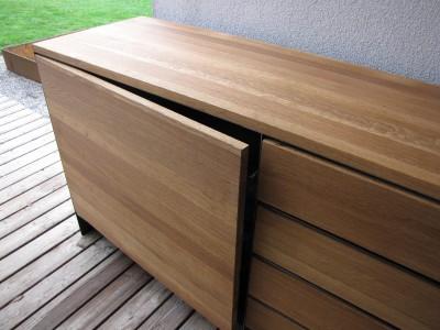 Design Stahlmöbel massiv mit Eiche für Innen oder außen